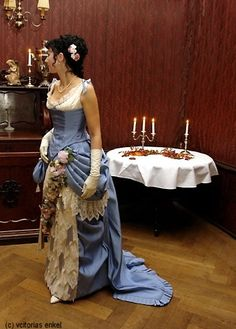 Natural form evening dress / ball gown by Victorias Enkel - Küraßmode Ball- und Dinerkleider