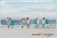 How to Take Good Beach Photos Large Family Poses, Family Picture Poses, Family Posing, Big Family, Picture Ideas, Photo Ideas, Fall Family, Cute Family Pictures, Beach Family Photos