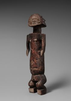 A LUBA SHANKADI FEMALE FIGURE  Democratic Republic of the Congo, Auktion 1045 Afrikanische und Ozeanische Kunst, Lot 51