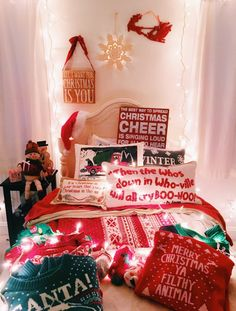 @aesthetic_sunflower Christmas Room, Christmas Time Is Here, Merry Little Christmas, All Things Christmas, White Christmas, Xmas, Christmas Pictures, Christmas Aesthetic, Wonderful Time