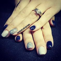 """24 """"Μου αρέσει!"""", 3 σχόλια - Bellezzarte (@emmanouelalalala) στο Instagram: """"Just a casual #nailart #monday . #nails #nailspa #marinicole #blue #grey #glitter #bellezzarte…"""""""