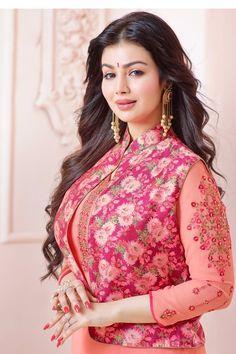 Indian Actress Hot Pics, Indian Actresses, Bollywood Girls, Bollywood Actress, Ayesha Takia Hot, Beautiful Pakistani Dresses, Zarine Khan, Indian Natural Beauty, Indian Wedding Photography Poses