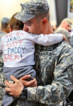 Too cute! I remember making banners like that when Daddy came home but this is a cute idea too!