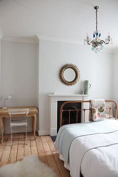 house: the guest room. dream house: the guest room / sfgirlbybaydream house: the guest room / sfgirlbybay Dream Bedroom, Home Bedroom, Bedroom Decor, Bedroom Ideas, Airy Bedroom, Bedroom Corner, Trendy Bedroom, Bedroom Inspiration, Bedroom Furniture