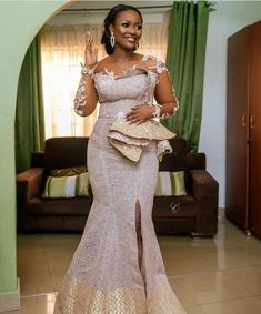 African Wear Dresses, Latest African Fashion Dresses, African Print Fashion, African Wedding Attire, African Attire, African Traditional Wedding Dress, African Lace Styles, Lace Dress Styles, Casual Outfits