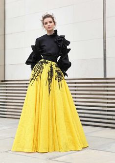 Basil Soda Spring-summer 2018 - Ready-to-Wear Style Couture, Couture Fashion, Hijab Fashion, Runway Fashion, Fashion Dresses, Hijab Style, Merian, Online Dress Shopping, Shopping Sites
