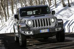 Das neue Modell markiert die Rückkehr der Marke in das Pickup-Segment und kommt zu den Feierlichkeiten des 80-jährigen Jubiläums von Jeep® zu den europäischen Händlern. Jeep Gladiator, Gallery, Vehicles, Car, Celebrations, Scale Model, Automobile, Roof Rack, Autos