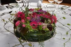 Blumentorte die Alternative, die nicht dick macht Flower Cakes, Glass Vase, Table Decorations, Flowers, Home Decor, Flower Arrangements, Celebration, Wedding, Dekoration