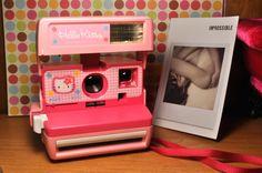 HELLO KITTY Polaroid 600 Camera