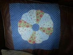 Lesson one Quilts, Learning, Quilt Sets, Quilt, Log Cabin Quilts, Study, Lap Quilts, Quilling, Teaching