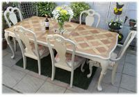46. Stunning French Provincial Style Extending Table with 6 Regal Chairs