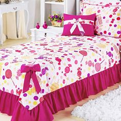 Resultado de imagen para colcha de cama de tecido Bedroom Sets, Bedding Sets, Bedroom Decor, Decorative Cushions, Bed Covers, Bed Spreads, Floor Pillows, Bed Sheets, Comforters