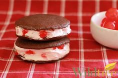 Wildtree's Chocolate Cherry Whoopie Pies Recipe http://www.mywildtree.com/jillbuck