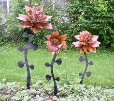 Metal Garden Flowers By Regifts, Via Flickr