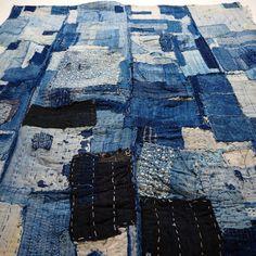Antique Japanese Boro Indigo Cotton Futon Cover Japanese Embroidery, Diy Embroidery, Embroidery Patterns, Boro Stitching, Futon Covers, Textiles, Clothing And Textile, Embroidery Techniques, Vintage Japanese