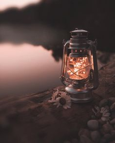 Dark Room Photography, Creative Photography, Of Wallpaper, Wallpaper Backgrounds, Old Lanterns, Mason Jar Lamp, Oil Lamps, Fairy Lights, Cute Wallpapers