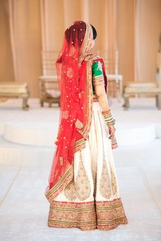 gujarati indian bride in panetar wedding dress