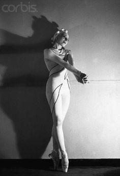 Alicia Markova in Rouge et Noir, 1939. Ballet Russes de Monte Carlo