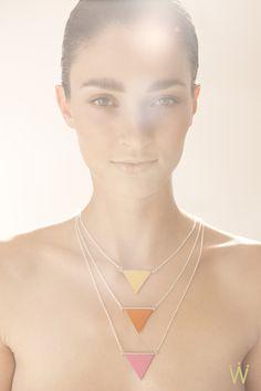Ketten kurz - ∆triangle∆ Ketten Silber mit Lederanhänger - ein Designerstück von weiskoenig-julia bei DaWanda