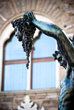 Perseo con la cabeza de Medusa - Florencia ( Perseus with the Head of Medusa, Piazza della Signoria in Florence, Italy )