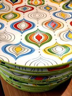 Pier 1 Cosmo Dinnerware plates Love these - How cute for Christmas or any time! Ceramic Clay, Ceramic Plates, Porcelain Ceramics, Ceramic Pottery, Painted Pottery, Pottery Painting, Ceramic Painting, Diy Painting, Color Me Mine