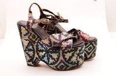 1970s batik print platforms 70s wedges Size 5 Iconic hippie Vintage shoes sky high purple teal
