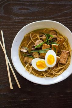 Vegan Ramen Brands You Need to Try Today Best Vegetarian/Vegan Ramen Noodles Brands you need to try! Read the list, and try the best! Thanksgiving Side Dishes, Thanksgiving Recipes, Vegetarian Ramen, Vegetarian Recipes, Healthy Recipes, Side Dishes Easy, Vegetable Side Dishes, Pumpkin Recipes Side Dish, Gastronomia