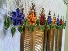Olá meninas algumas cortinas de crochê   Vejam:                                                                                        Bei...
