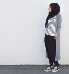 long cardigan hijab style, Modern Hijab Street styles http://www.justtrendygirls.com/modern-hijab-street-styles/