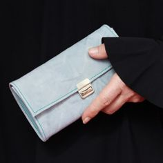 Grosses Portemonnaie Leder Hellblau gecrushed