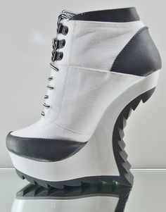 Qupid Ravey 13 White Black Jagged Edge Heel Less Wedge