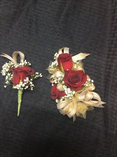 Gold tulle, ribbon red roses