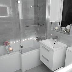 Bathroom decor, Bathroom decoration, Bathroom DIY and Crafts, Bathroom Interior design Bathroom Design Small, Bathroom Interior Design, Home Interior, Modern Bathroom, Master Bathrooms, Bathroom Mirrors, Bathroom Cabinets, Beautiful Bathrooms, Small Grey Bathrooms