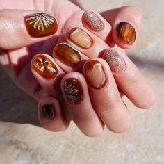 Stiletto Nails Matte Nails Press On Nails Acrylic Nails Nail Design Stiletto, Nail Design Glitter, Get Nails, How To Do Nails, Hair And Nails, Rose Nails, Flower Nails, Nailart, Japanese Nails