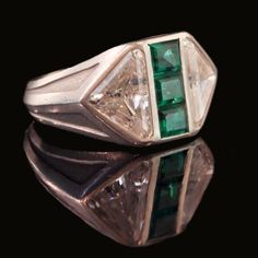 ART DECO c1935 Platinum, diamond and emerald ring