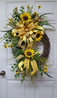 28 Ideas front door wreaths for summer crafts for 2019 Summer Door Wreaths, Fall Wreaths, Wreaths For Front Door, Mesh Wreaths, Christmas Wreaths, Floral Wreaths, Burlap Wreaths, Prim Christmas, Diy Wreath