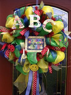 Amazing back to school wreaths are the perfect teacher's gift or the perfect decoration for your home this end of summer and beginning of fall. Classroom Wreath, Teacher Wreaths, School Wreaths, Classroom Door, Wreath Crafts, Diy Wreath, Wreath Ideas, Holiday Wreaths, Holiday Crafts