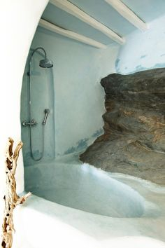 Grotto bathtub but design for outdoor shower?
