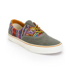 Hit the streets in the unique tribal look of the Vans Era Guate Olive Night canvas skate shoes. A clean night seamless toe with a canvas Guate tribal print upper for a stand out look and a vulcanized outsole with waffle tread to give the Vans Era Guate Ol