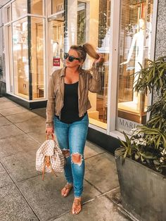 Fashion look with kylatori's Le Specs and Tankes Treasure Bond sunglasses - ShopStyle Curvy Girl Outfits, Curvy Girl Fashion, Look Fashion, Trendy Outfits, Plus Size Outfits, Plus Size Fashion, Autumn Fashion, Fashion Outfits, Casual Curvy Fashion