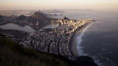 Check out the Time-Lapses that we shot into Rio de Janeiro, the Wonderful City!  Um conjunto de time lapses que mostram as belezas do Rio de Janeiro, visões que contemplam imagens da Zona Sul, Norte, Subúrbio e Oeste. Neste filme produzido pela produtora OnMoveOn há as fantásticas visões que se tem das montanhas do Rio de Janeiro, como o Corcovado, o Pão de Açúcar, a Pedra da Gávea e o Morro Dois Irmãos, além de um passeio pelas ruas da cidade.   Vist our fanpage https://www.facebook.com...