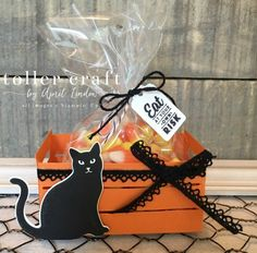 Halloween Paper Crafts, Halloween Cards, Holidays Halloween, Halloween Treats, Halloween Diy, Halloween Costumes, Halloween Treat Holders, Wood Crates, Stampin Up Cards