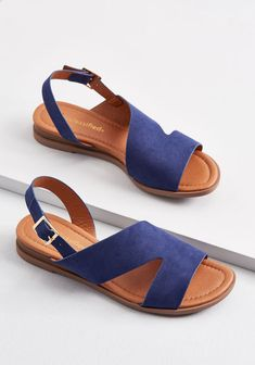 Super Cute Suede Slingback Flats and Sandals for Women. Find the perfect slingbacks or sandals in Suede. Shoes Flats Sandals, Slingback Flats, Sandals Outfit, Leather Sandals, Shoe Boots, Heeled Sandals, Women's Shoes, Dance Shoes, Cute Shoes