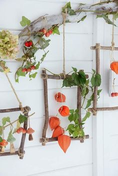 Autumn decoration - magic decorations made of natural materials. I'll show you how to make a colorful wall decoration for the fall and a colorful autumn wreath out of colorful leaves, lantern flow Autumn Crafts, Nature Crafts, Magic Decorations, Autumn Decorations, Diy And Crafts, Crafts For Kids, Deco Nature, Deco Floral, Autumn Wreaths