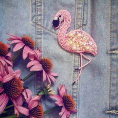 Брошь из бисера. Розовый фламинго
