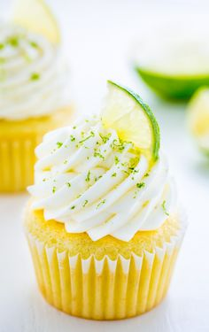 Moist and fluffy Key Lime Cupcakes! Just one bite will transport you to the Florida Keys… Key Lime Cupcake Recipe Here in the Hudson Valley, … Cupcake Recipes, Cupcake Cakes, Dessert Recipes, Disney Cupcakes, Healthy Desserts, Dinner Recipes, Muffins, Key Lime Cupcakes, Beach Cupcakes