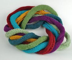 i-cord infinity scarf. Crochet Crafts, Yarn Crafts, Knit Crochet, Crochet Pattern, Crocheted Scarf, Sewing Projects For Kids, Knitting Projects, Knitting Patterns, Craft Projects