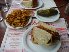 Smoked meat sandwich and pickles from Schwartz's Deli in Montreal, QC. Sandwiches, Meat Sandwich, Canadian Food, Smoking Meat, Deli, Steak, Food Porn, Montreal Qc, Origins