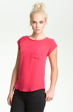 Love  a simple chic tee