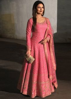 Divyanka Tripathi in Kalki candy pink anarkali suit adorn in delicate zari embroidery all over Indian Gowns Dresses, Indian Fashion Dresses, Indian Designer Outfits, Indian Outfits, Designer Dresses, Flapper Dresses, Silk Anarkali Suits, Anarkali Dress, Lehenga